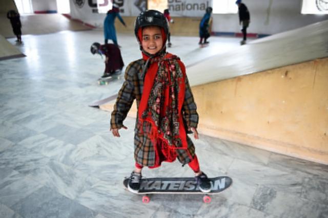 wjd-skateistan-boardgirl-junge-wirtschaft