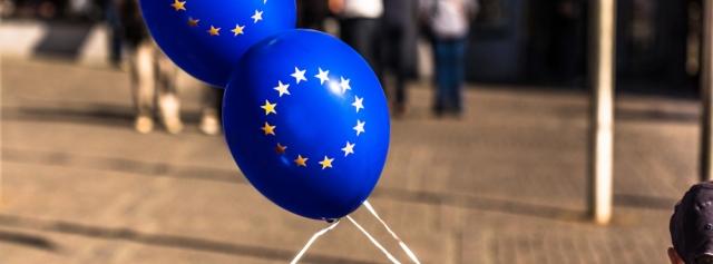 wjd-europa-ballons-junge-wirtschaft